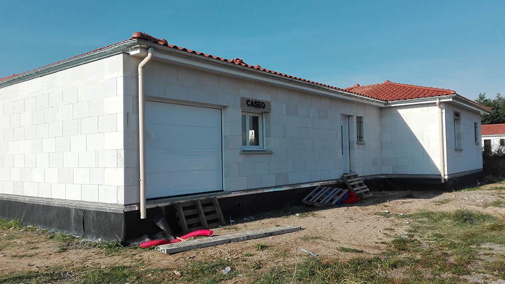 Cherblanc construction travaux ma onnerie couverture - Piscine en beton cellulaire ...